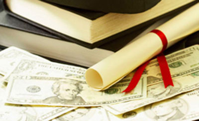 Two Education Credits Help Taxpayers with College Costs